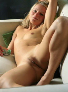 Playful blonde Zena