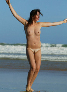 Jacki got puffy nipples at the see shore playing in the water