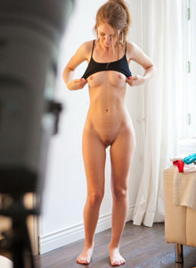 Hairy pussy and sexy ass Elva dressing