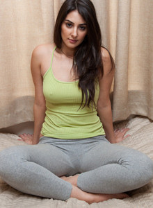 Hot brunette Norell Elnadav wears tight grey spandex at home